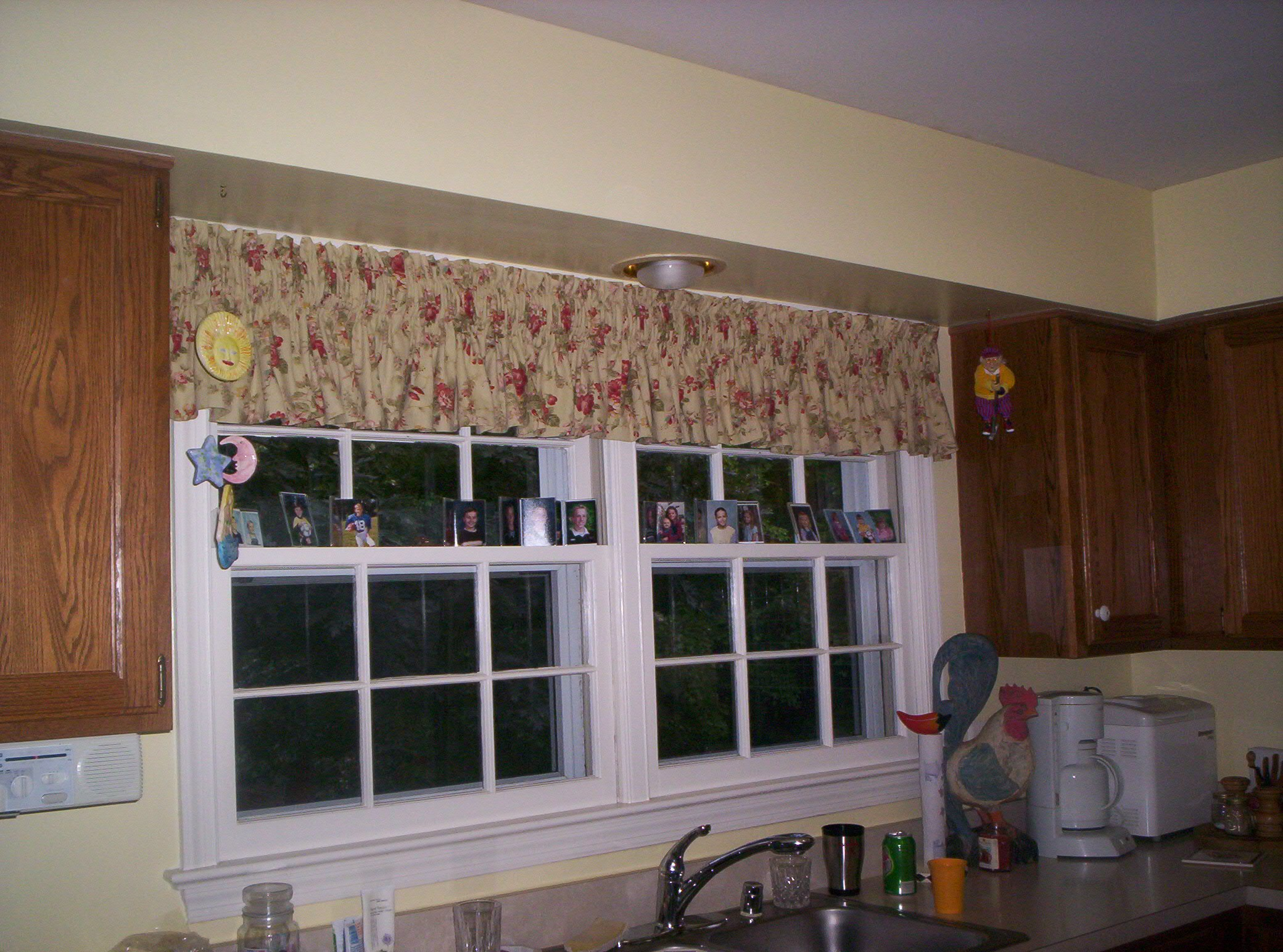 valance in kitchen